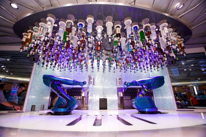 Robotic bar on board the Ovation of the Seas