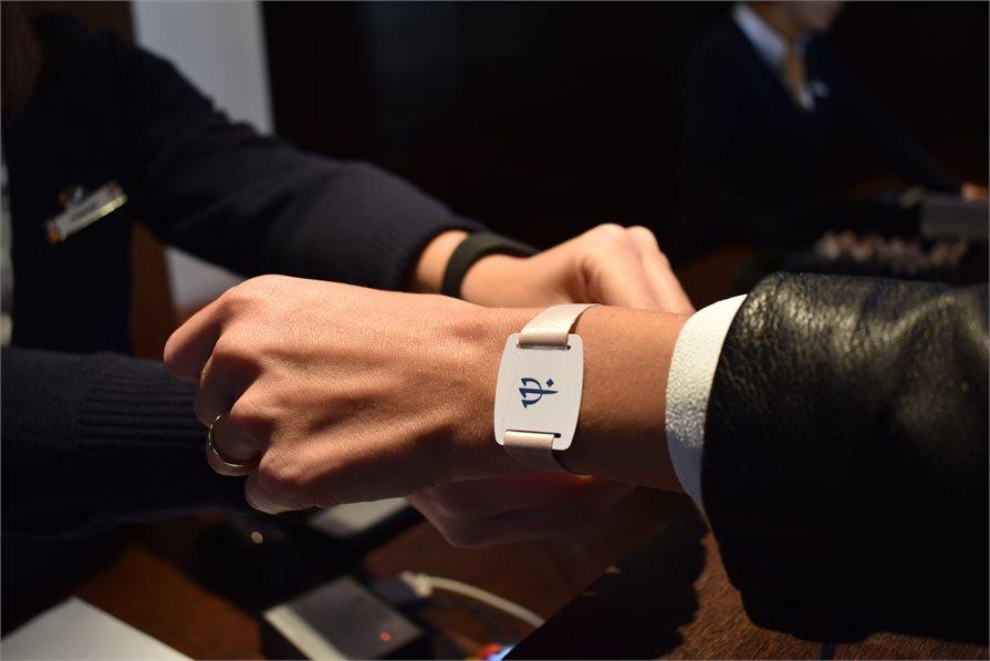 Digital bracelets at Club Med