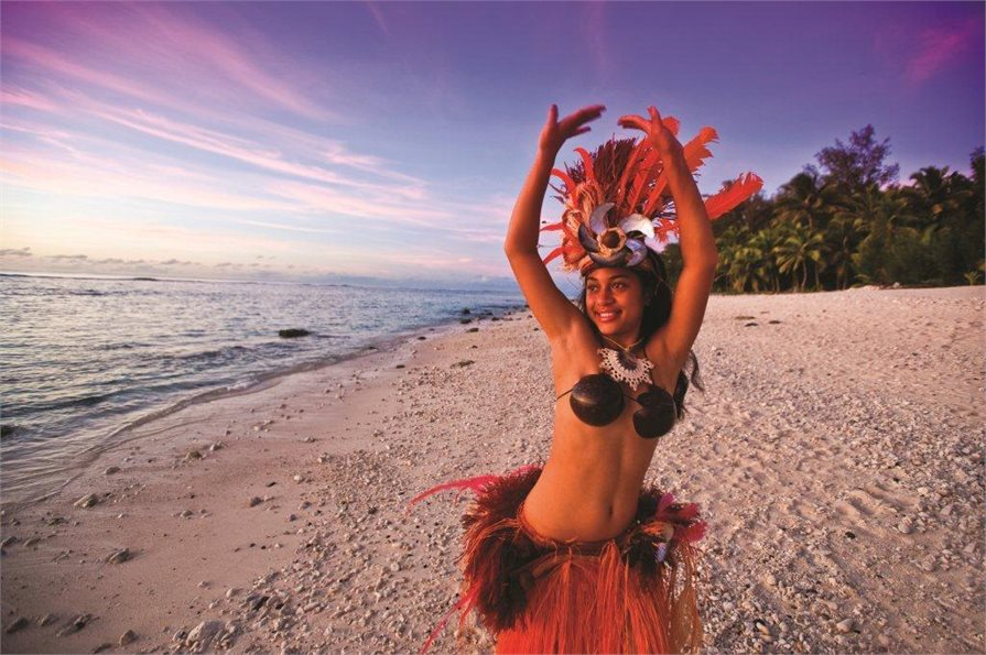 Cook Islander woman performing a traditional dance