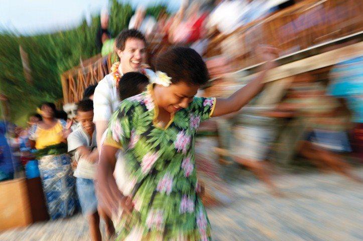traditional Fijian dancing