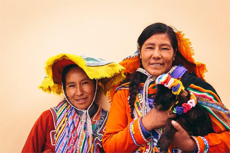 local peru women with alpaca