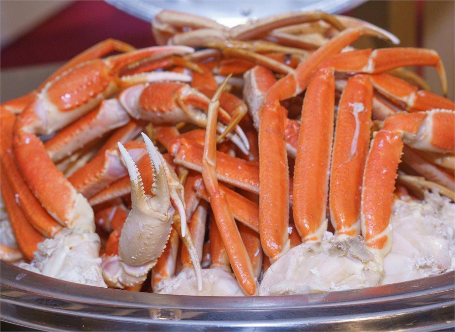 PK Crab legs food Hawaii