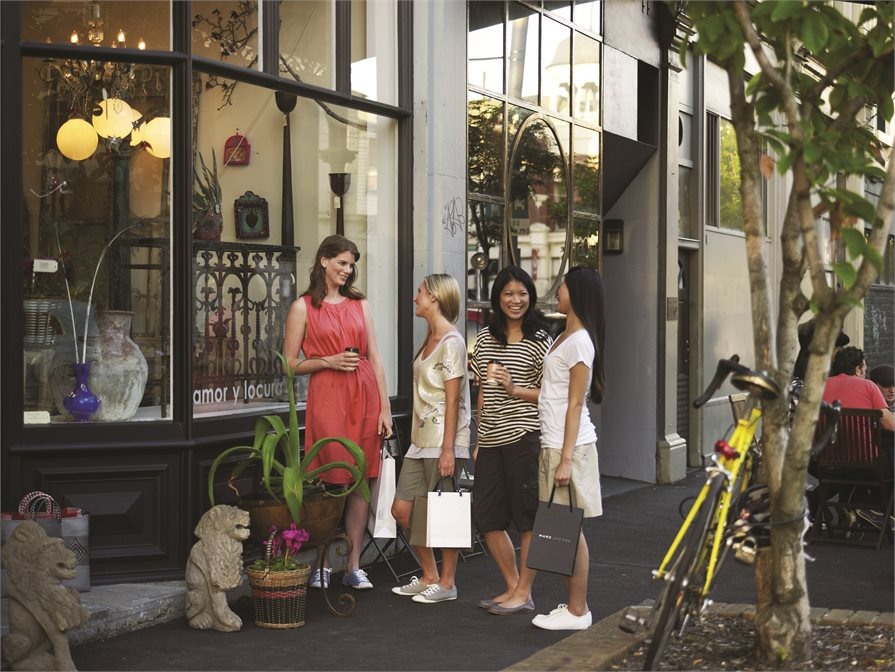 Group of ladies shopping on Melbourne Streets