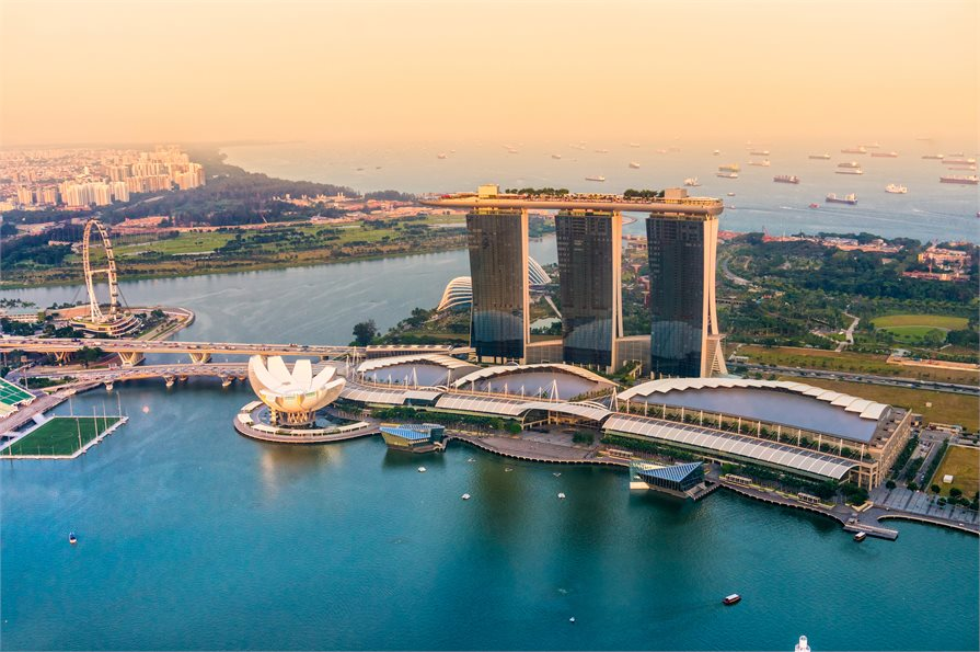 View of Singapore's harbor and the Marina Bay Sands hotel